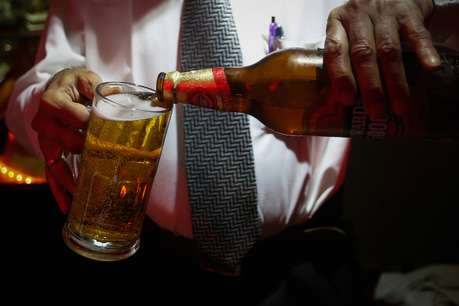 कड़ी आलोचना के बाद शराब की होम डिलीवरी पर महाराष्ट्र के मंत्री ने लिया यू-टर्न!