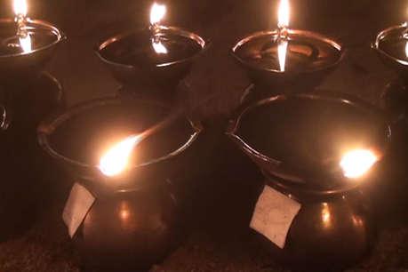 जतमई और घटारानी देवी मंदिर में नेताओं ने दीप प्रज्वलित कर मांगी मन्नत