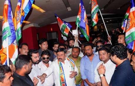 मराठी फिल्म को स्क्रीन नहीं मिलने पर नाराज MNS कार्यकर्ताओं ने दी थिएटर मालिकों को धमकी