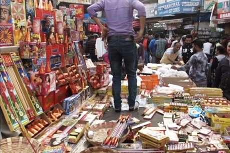 देहरादून: प्रतिबंध के बावजूद धड़ल्ले से बिक रहे हैं पटाखे
