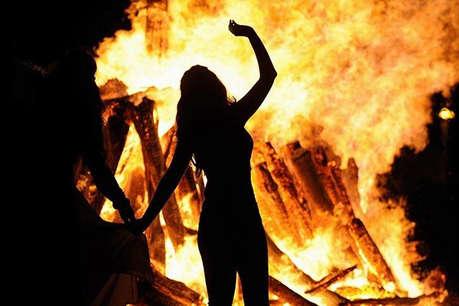 कोरिया में महज इसलिए महिला ने अपने पड़ोसी किशोरी को जिंदा जला दिया