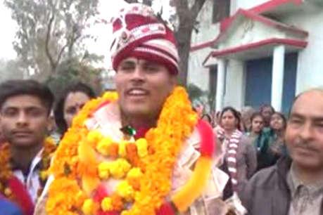 हिमाचली युवक विशाल ने भूटान में ग्रैपलिंग चैंपियनशिप में गोल्ड जीता, भव्य स्वागत