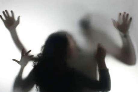 शौच के लिए जा रही नाबालिग लड़की से सामूहिक दुष्कर्म