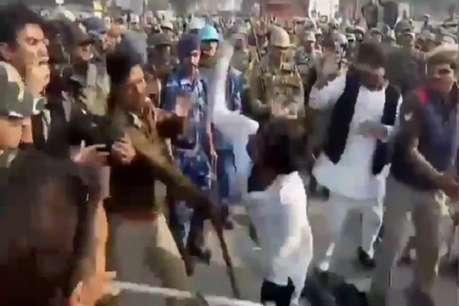 सपा का प्रदर्शन: मुरादाबाद में दरोगा की वर्दी में लगी आग, प्रयागराज में पुलिसवाले को मारा थप्पड़