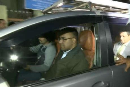 चिटफंड घोटाला: CBI ने कोलकाता पुलिस कमिश्नर से 8 घंटे की पूछताछ, आज फिर होंगे पेश