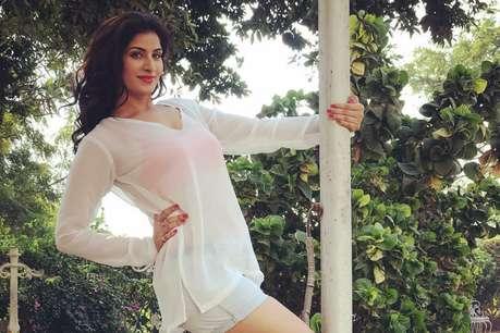 OMG! सोशल मीडिया पर VIRAL हुई भोजपुरी अभिनेत्री पूनम दुबे की ये हॉट PHOTO
