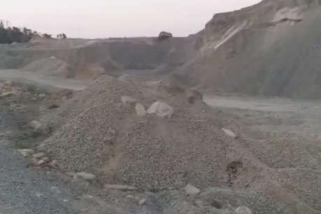 अवैध खनन की शिकायत पर खनिज विभाग का छापा, करोड़ों की गिट्टी जब्त