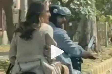 बिना हेलमेट के दिल्ली में बाइक पर घूमीं सारा अली खान, फैन्स ने याद दिलाए नियम-कानून