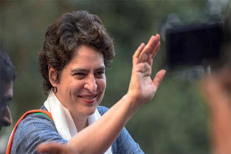 चुनाव प्रचार के लिए स्टीमर से नहीं जा पाएंगी प्रियंका गांधी, EC ने लगाई रोक