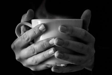 Smoking के साथ आप लेते हैं गर्म चाय की चुस्कियां! यह जानलेवा बीमारी हो सकती है आपको