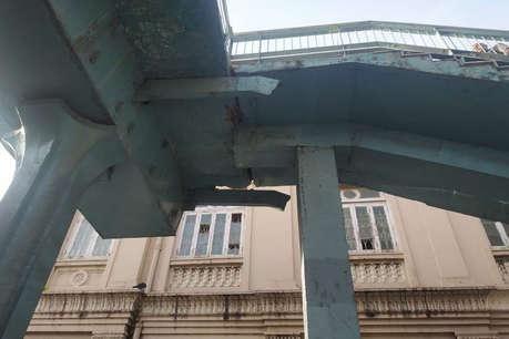 मुंबई ब्रिज हादसे के बाद वानखेड़े स्टेडियम का फुटओवर ब्रिज किया गया बंद