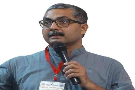 जानिए कौन हैं अनिल सौमित्र, जिनके एक Post ने खड़ा कर दिया विवाद