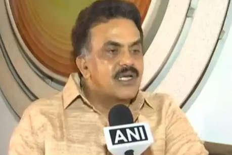 PM को कहा था औरंगजेब का अवतार, अब संजय निरुपम को EC ने भेजा नोटिस