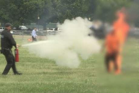 अमेरिका में व्हाइट हाउस के सामने एक भारतीय ने खुद को लगाई आग, मौत