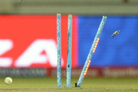 10 बल्लेबाज जीरो पर आउट, टीम 4 रन पर ढेर, ऐसा रहा स्कोरकार्ड