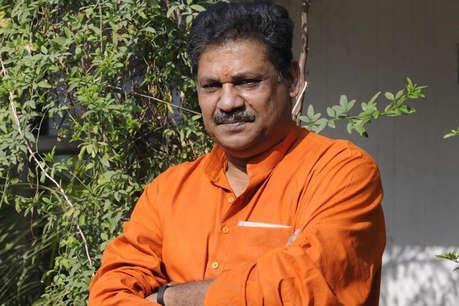 कीर्ति आजाद: क्रिकेट से लेकर बीजेपी के पिच पर रहे फिट, अब कांग्रेस के साथ पारी