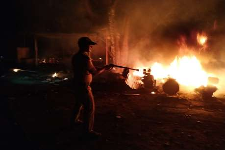बिहार: चुनाव खत्म होते ही अपराधियों का तांडव, बदमाशों ने लाइन होटलों में लगाई आग