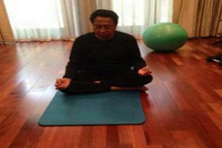 International Yoga Day : सीएम कमलनाथ ने भी किया योग, विवाद हुआ तो जारी की तस्वीर