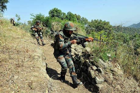 जम्मू-कश्मीर के अनंतनाग में आतंकवादियों से मुठभेड़ जारी, एक आतंकी ढेर