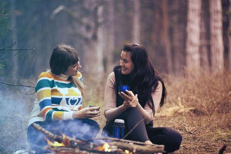 भूलकर भी पति से जुड़ी ये बातें न करें मायके और बेस्ट फ्रेंड से शेयर, टूट सकता है रिश्ता!