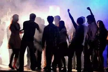 दिल्ली: रेव पार्टी पर रेड, नशे में मिले नाबालिग लड़के-लड़कियां, ऑर्गनाइजर गिरफ्तार