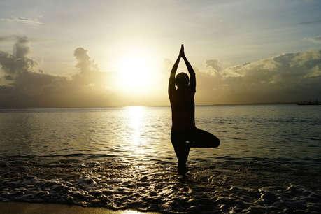 योग में करियर: मिलेगी बेहतर सैलरी, इन जगहों से कर सकते हैं कोर्स