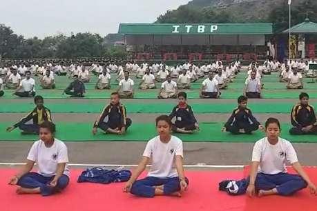देवभूमि उत्तराखंड में भी योग दिवस का उत्साह, देहरादून समेत राज्य भर में लोग कर रहे योगाभ्यास