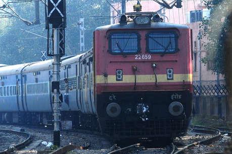 रेलवे में 38 साल बाद हो सकता है चक्का जाम, चालक संघ ने दी भूख हड़ताल की धमकी