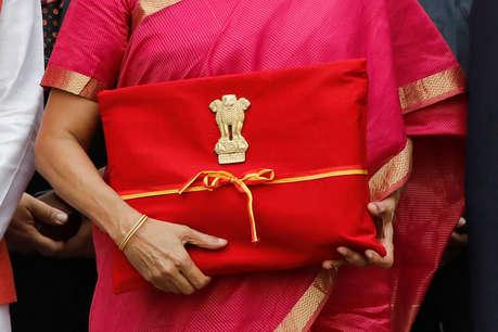 वित्त मंत्री निर्मला सीतामरण ने बजट में सूटकेस न ले जाने का खोला राज, बताई ये वजह