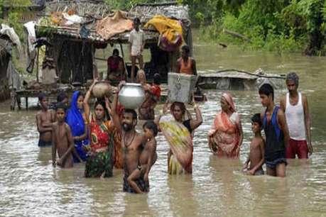 बाढ़ का हवाई सर्वेक्षण कर बोले सीएम नीतीश कुमार, रिलीफ कैंप में कोई कमी न हो