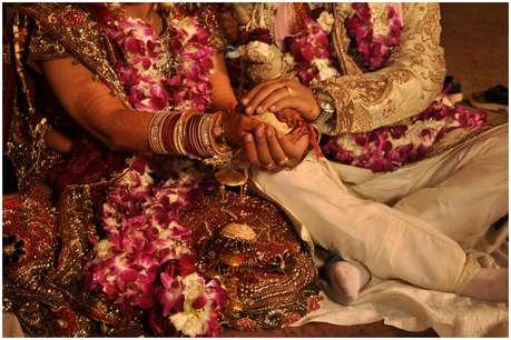 कड़े कानूनों की कमी का खामियाजा भुगत रहीं हैं एनआरआई दुल्हों से शादी करने वाली भारतीय दुल्हनें