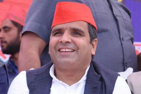 सपा नेता धर्मेंद्र यादव ने BJP सांसद संघमित्रा के निर्वाचन को दी चुनौती