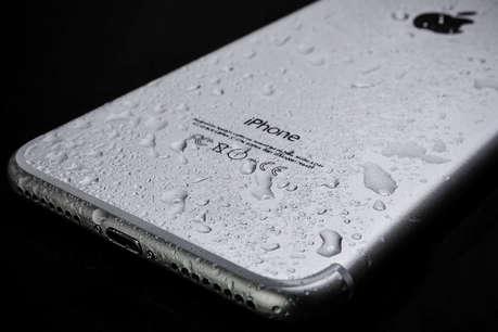 QnA: बरसात के मौसम में कैसे बचाएं अपना फोन?