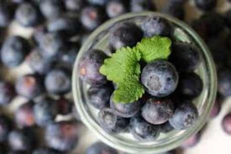 ये एक फल आपके दांतों को रख सकता है स्वस्थ