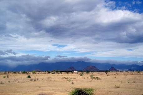 पहाड़ों को छोड़िए, रेगिस्तान में उठाइए मॉनसून का लुत्फ!