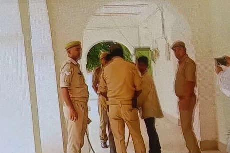 वाहवाही लूटने के चक्कर में कानून भूल गई बाराबंकी पुलिस...