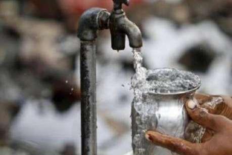 ट्यूबवेल का पानी पीने से 150 से ज्यादा लोग बीमार, प्रशासन में मचा हड़कंप