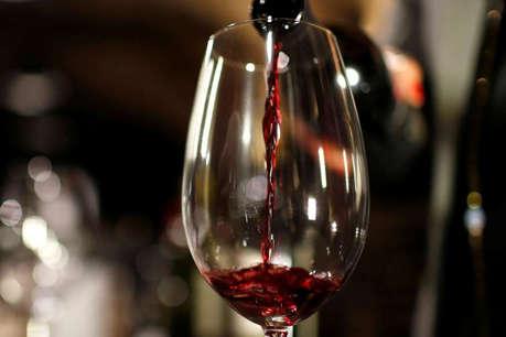 उदयपुर में सरपंच के फॉर्म हाउस पर मिली 50 लाख की अवैध शराब, 3 ट्रकों में भरकर लाई गई थाने