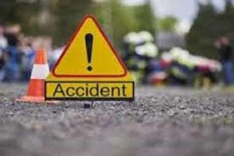 पलवल में कावड़ियों से भरा कैंटर पलटा, 3 की मौत, 11 लोग घायल