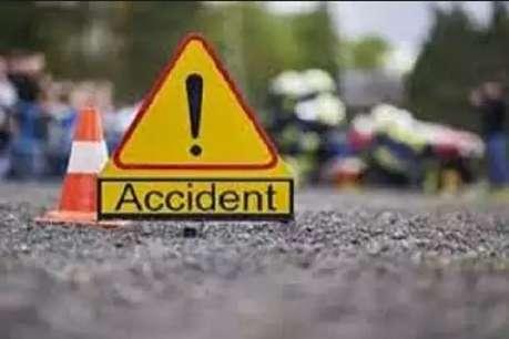 यात्रियों से भरे ऑटो ने ट्रक ने मारी टक्कर, चालक व कांवड़िया की मौत, 9 घायल