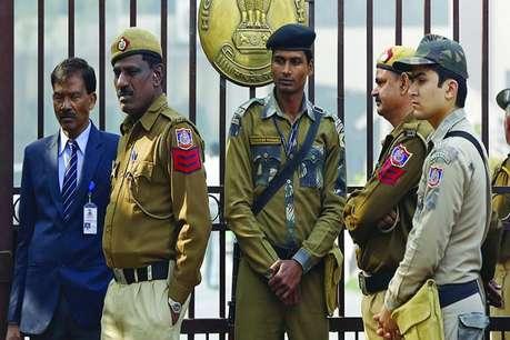 दिल्ली पुलिस हाल के वर्षों में अपराध होने के बाद ही हरकत में क्यों आती है?