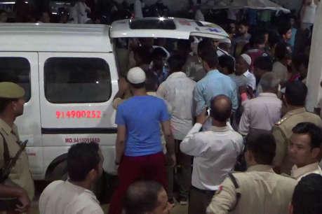 हापुड़: वाहन ने मारी मिनी ट्रक को टक्कर, हादसे में 9 की मौत 18 घायल
