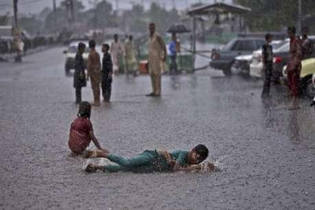 भारी बारिश से बेहाल पाकिस्तान, अब तक 7 लोगों की मौत