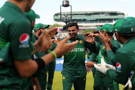 शोएब मलिक ने अंतरराष्ट्रीय वनडे क्रिकेट से लिया संन्यास