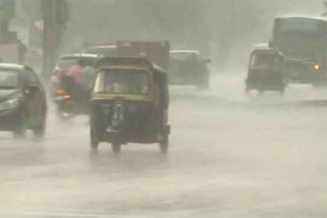 UP में बारिश का कहर: 72 घंटे में 15 लोगों की मौत, 133 घर ढहे
