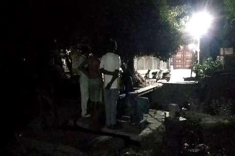 पीने के पानी को लेकर मचा हाहाकार, यहां पानी बचाने के लिए रात भर पहरा दे रहे लोग