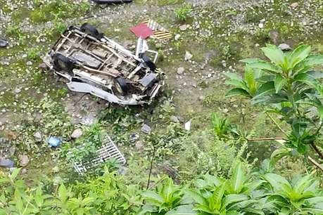 पिथौरागढ़ में उफनती गोरी नदी में गिरी कार, पंडित नैन सिंह रावत के पोते समेत 3 की मौत