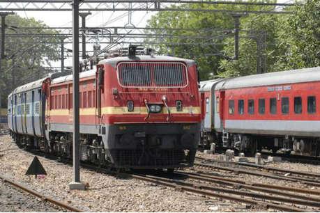 मुंबई जा रही गोरखपुर-अंत्योदय एक्सप्रेस पटरी से उतरी, कोई हताहत नहीं
