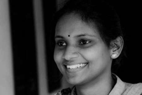 केरल की इकलौती महिला सांसद के लिए कार खरीदने के लिए चंदा मांग रहे कांग्रेस नेता