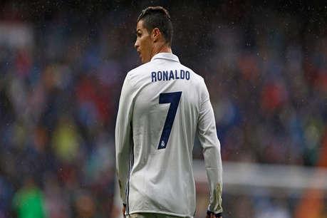रोनाल्डो मैच खेलने मैदान पर नहीं उतरे, केस करेंगे दर्शक